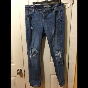 Torrid distressed boyfriend jeans size 14